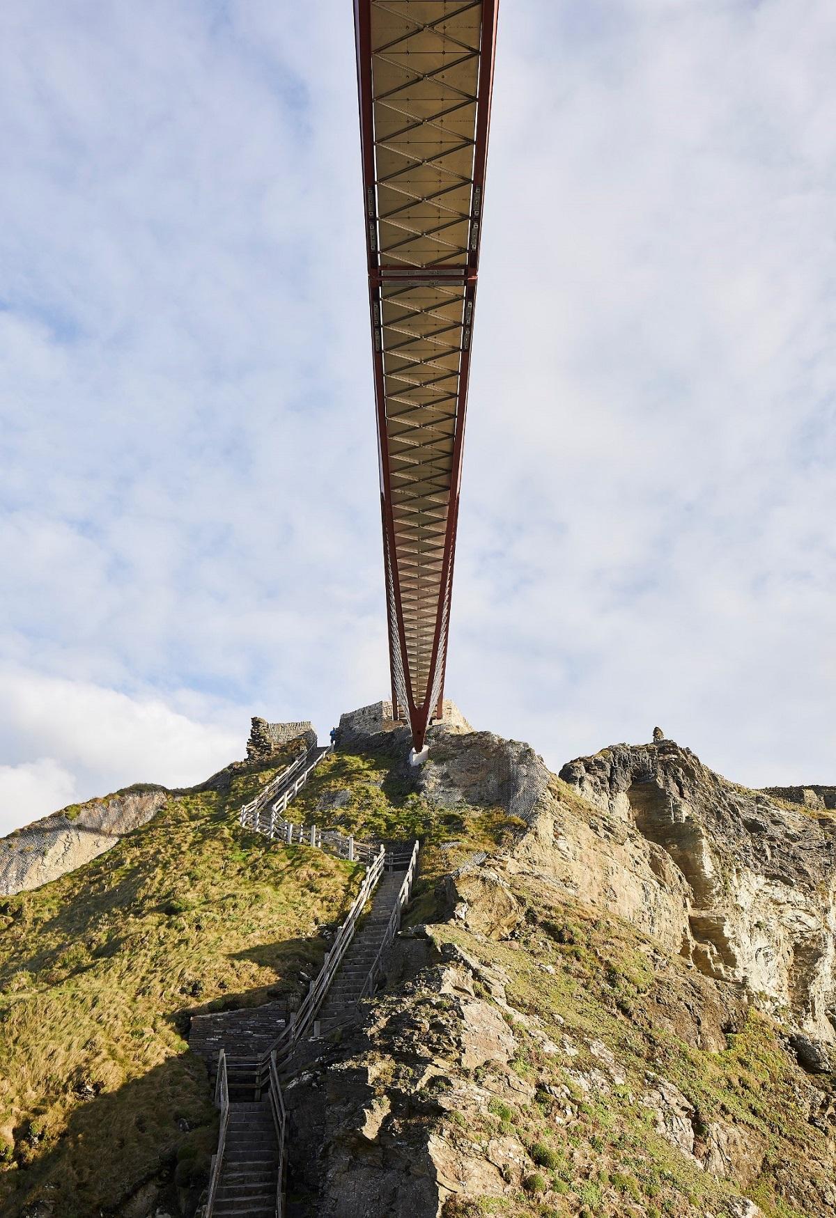 Cây cầu Tintagel - Kết nối truyền thuyết và hiện thực