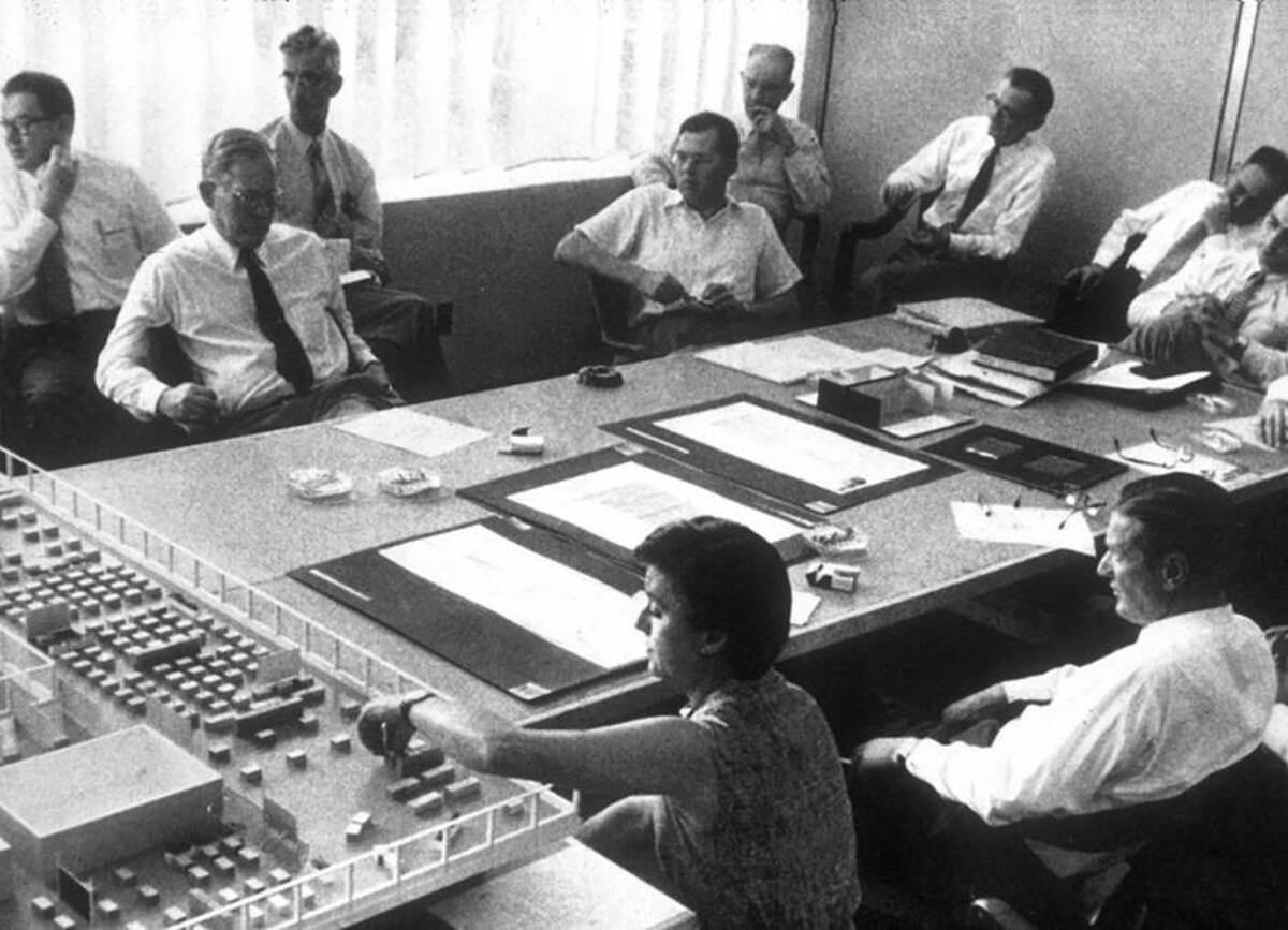 Florence Knoll Bassett: Nữ KTS tiên phong mở đường cho thiết kế văn phòng
