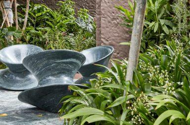 Heatherwick Studio tái tạo ghế Spun bằng đá granit