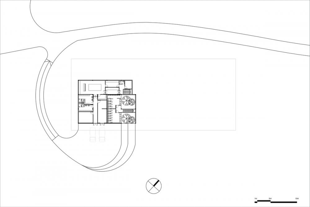 Nhà hàng chay với mái bằng gỗ rực sắc hoa giấy | VHA Architects