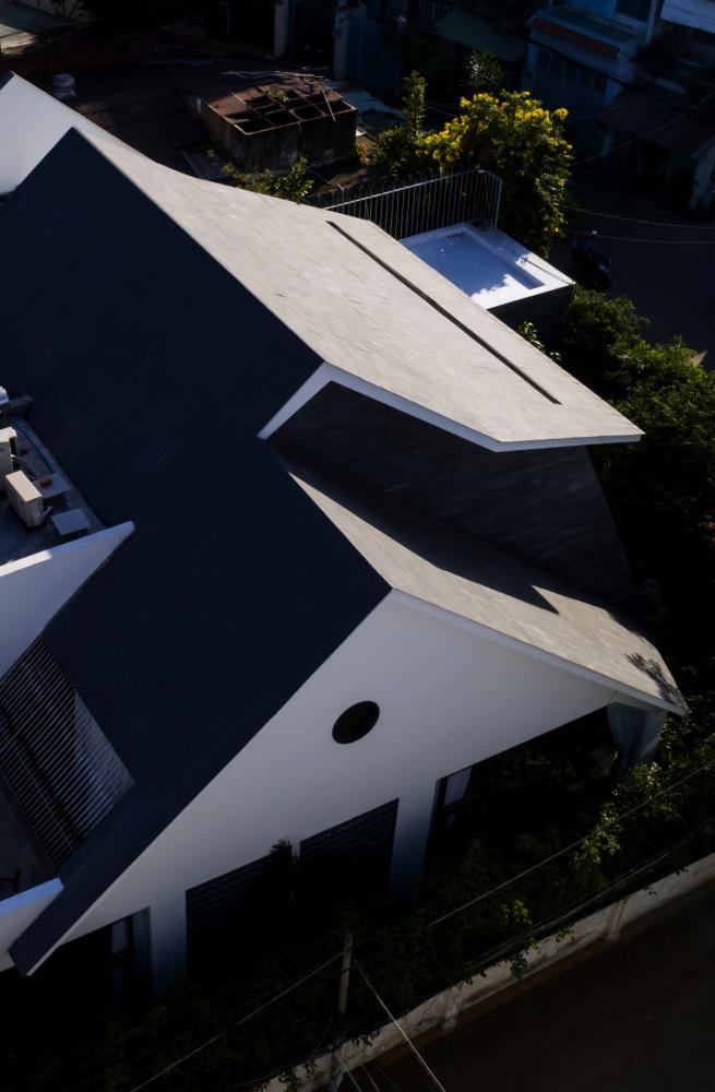0040 2 1000x1000 - Nhà Huy - Ốc đảo xanh ẩn mình giữa phố thị   23o5 Studio