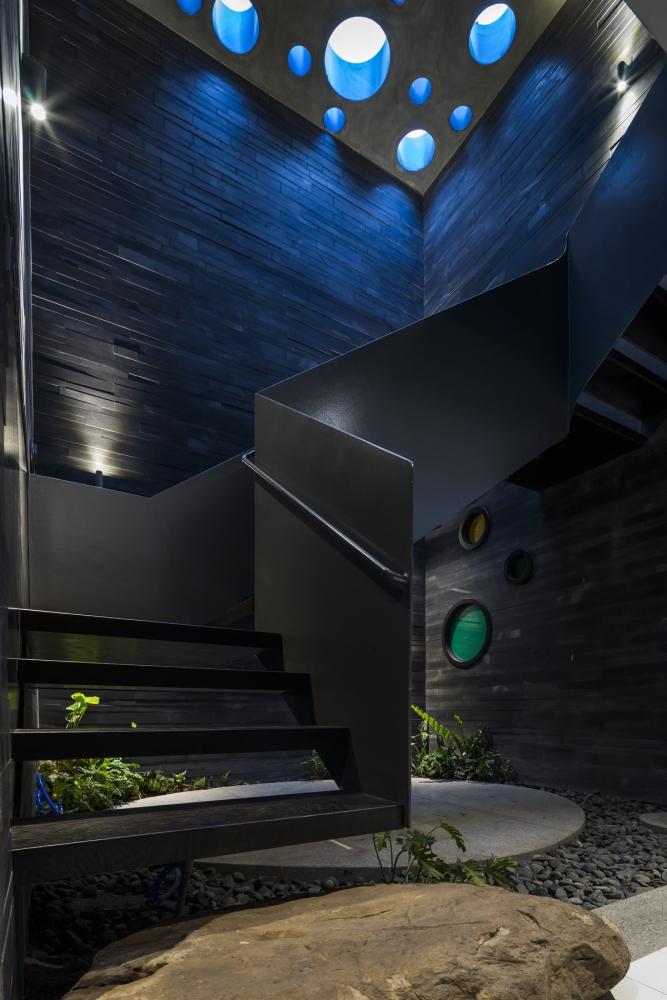 0094 1000x1000 - Nhà Huy - Ốc đảo xanh ẩn mình giữa phố thị   23o5 Studio