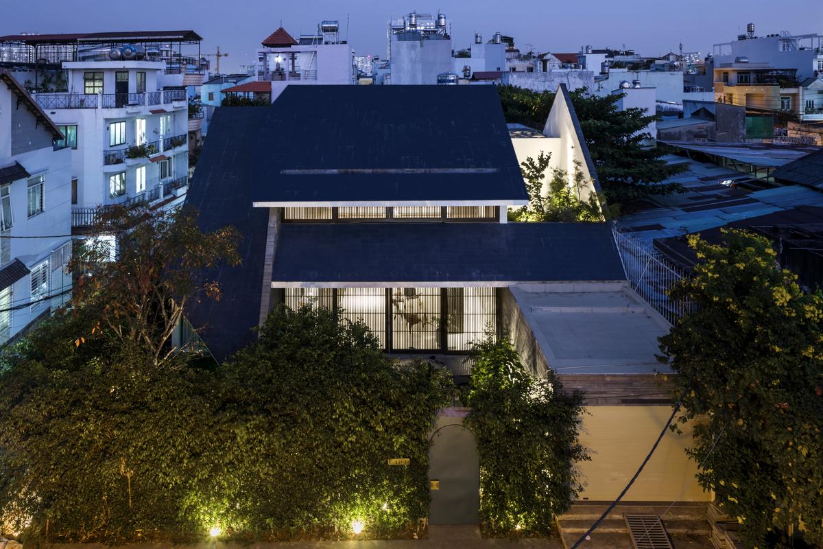 0129 - Nhà Huy - Ốc đảo xanh ẩn mình giữa phố thị   23o5 Studio