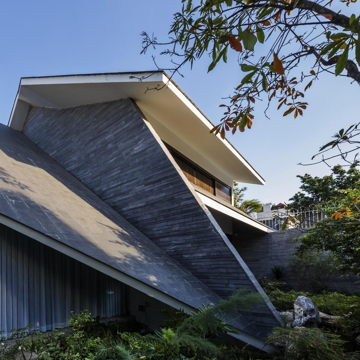 0317 - Nhà Huy - Ốc đảo xanh ẩn mình giữa phố thị   23o5 Studio