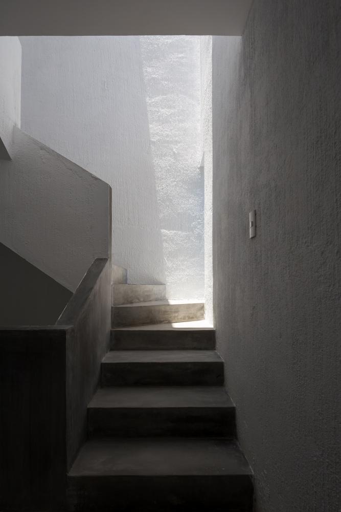 13 16 1000x1000 - Nhà Mệ Loan - Khoảng trời đón nắng trong ngõ nhỏ   H-H Studio