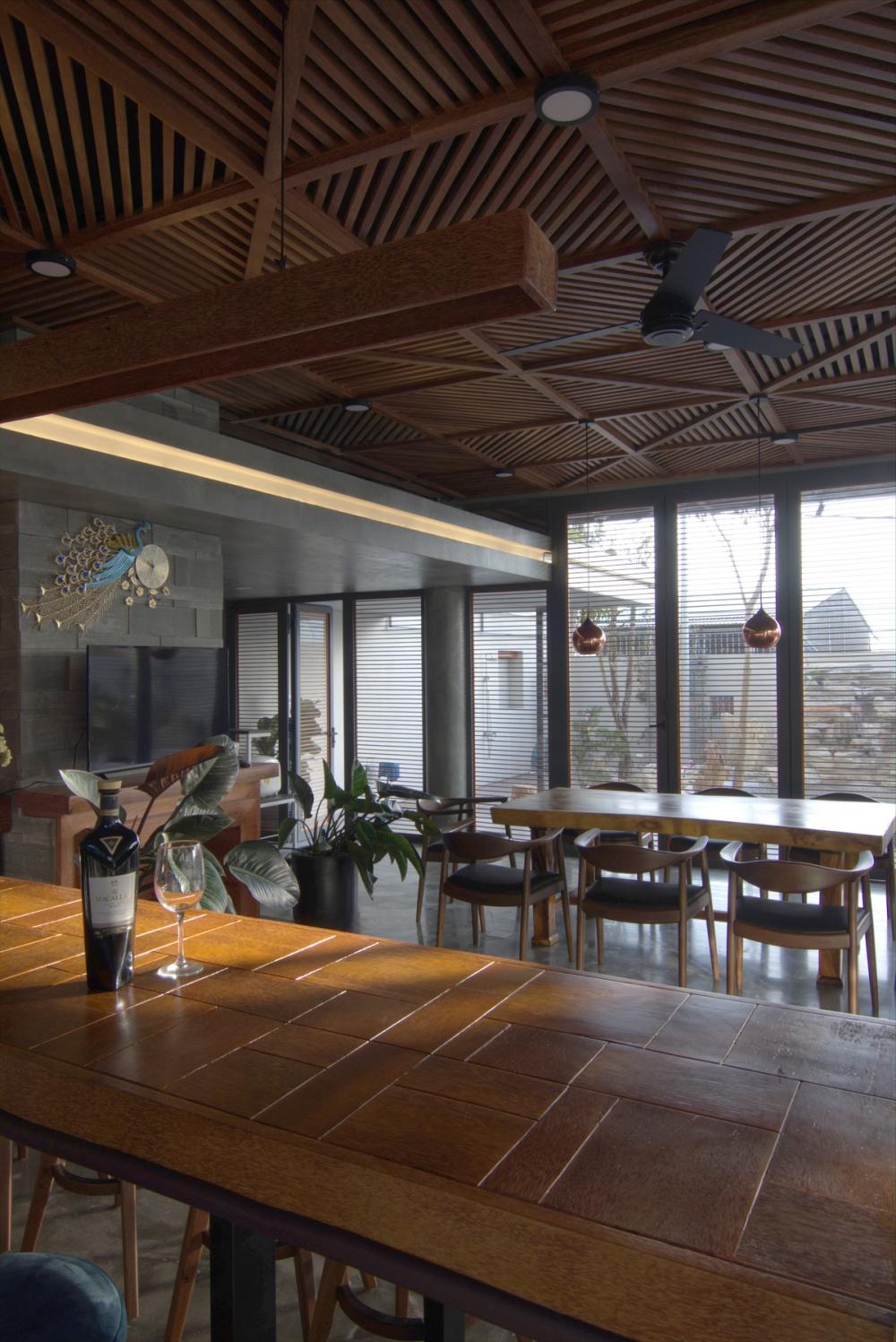 2 1 1 1000x2000 - Nhà Nam Hồ - công trình hòa quyện nét đẹp truyền thống và hiện đại   RYO Group