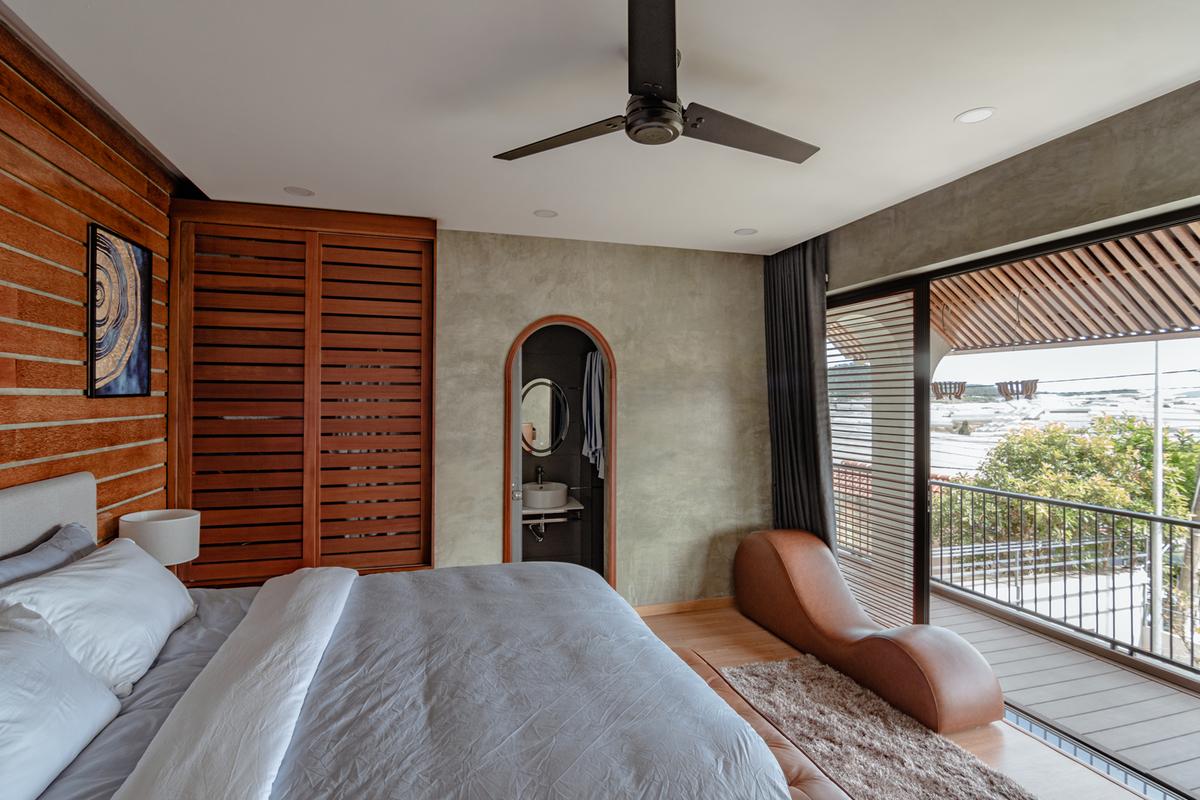 2 7 1 - Nhà Nam Hồ - công trình hòa quyện nét đẹp truyền thống và hiện đại   RYO Group