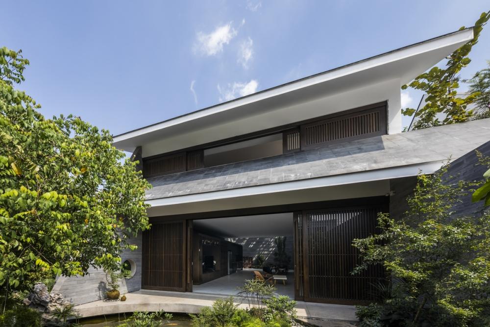 3235 1000x1000 - Nhà Huy - Ốc đảo xanh ẩn mình giữa phố thị   23o5 Studio