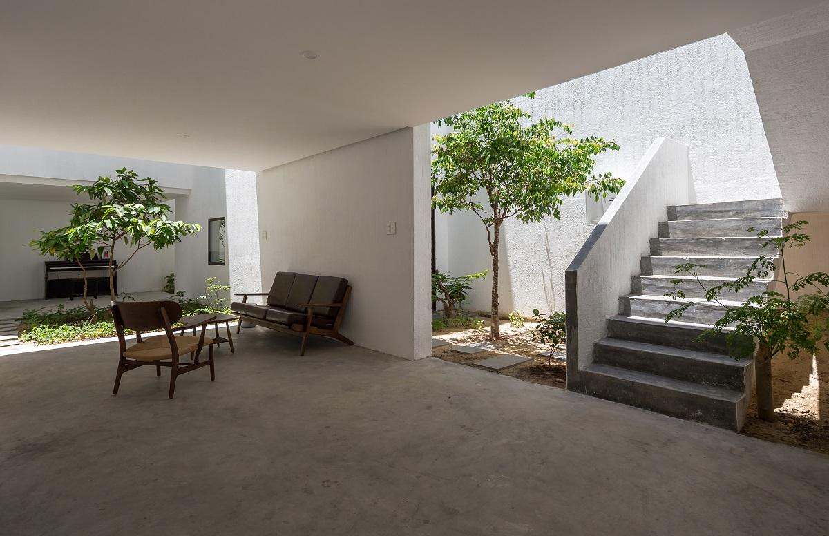 4 32 - Nhà Mệ Loan - Khoảng trời đón nắng trong ngõ nhỏ   H-H Studio