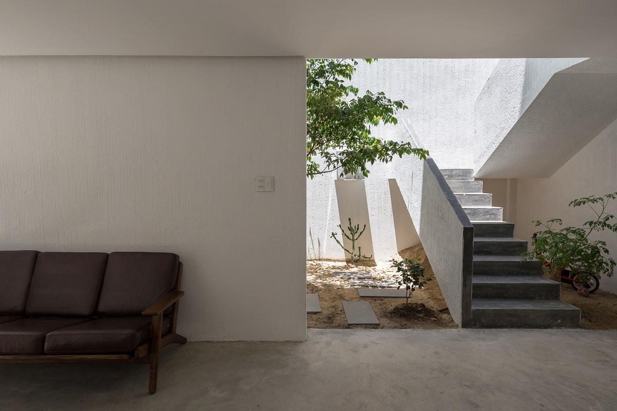 4.4.4 - Nhà Mệ Loan - Khoảng trời đón nắng trong ngõ nhỏ   H-H Studio