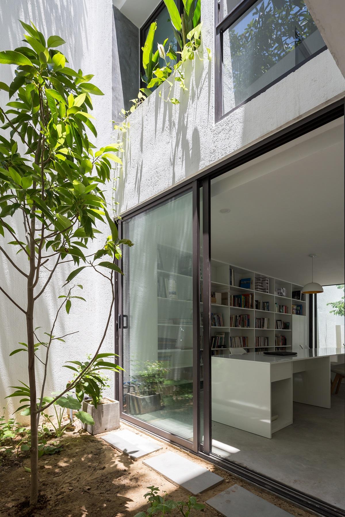 5.5.5 1 - Nhà Mệ Loan - Khoảng trời đón nắng trong ngõ nhỏ   H-H Studio