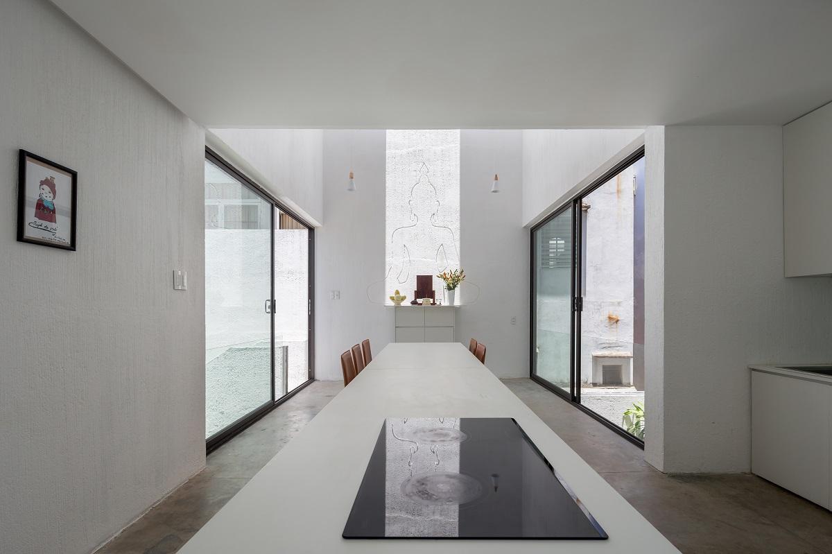 7 32 - Nhà Mệ Loan - Khoảng trời đón nắng trong ngõ nhỏ   H-H Studio