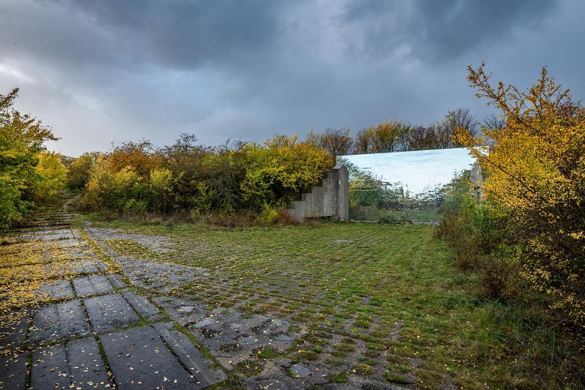 02_Petr_Hajek_Architekti_Hunting_Grounds_Benedikt_Markel-2000x1000.jpg