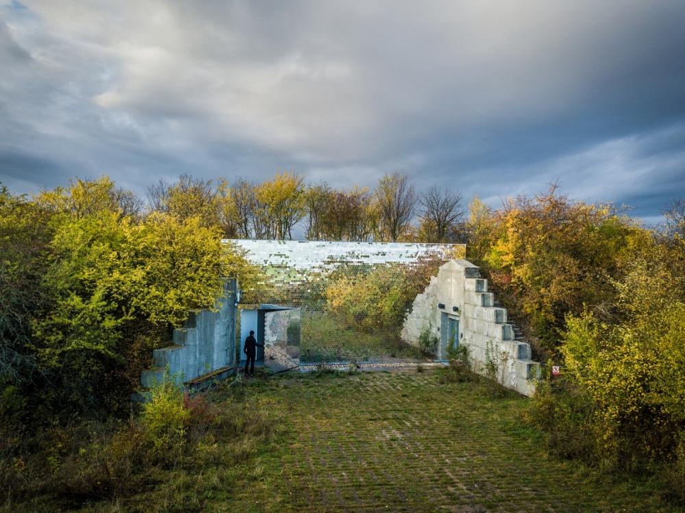 07_Petr_Hajek_Architekti_Hunting_Grounds_Benedikt_Markel-1000x1000.jpg
