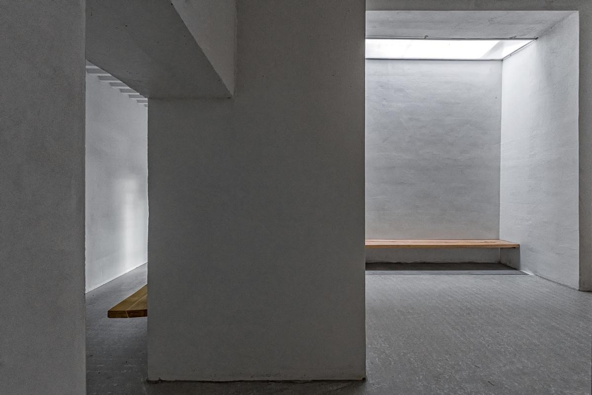 12_Petr_Hajek_Architekti_Hunting_Grounds_Benedikt_Markel.jpg