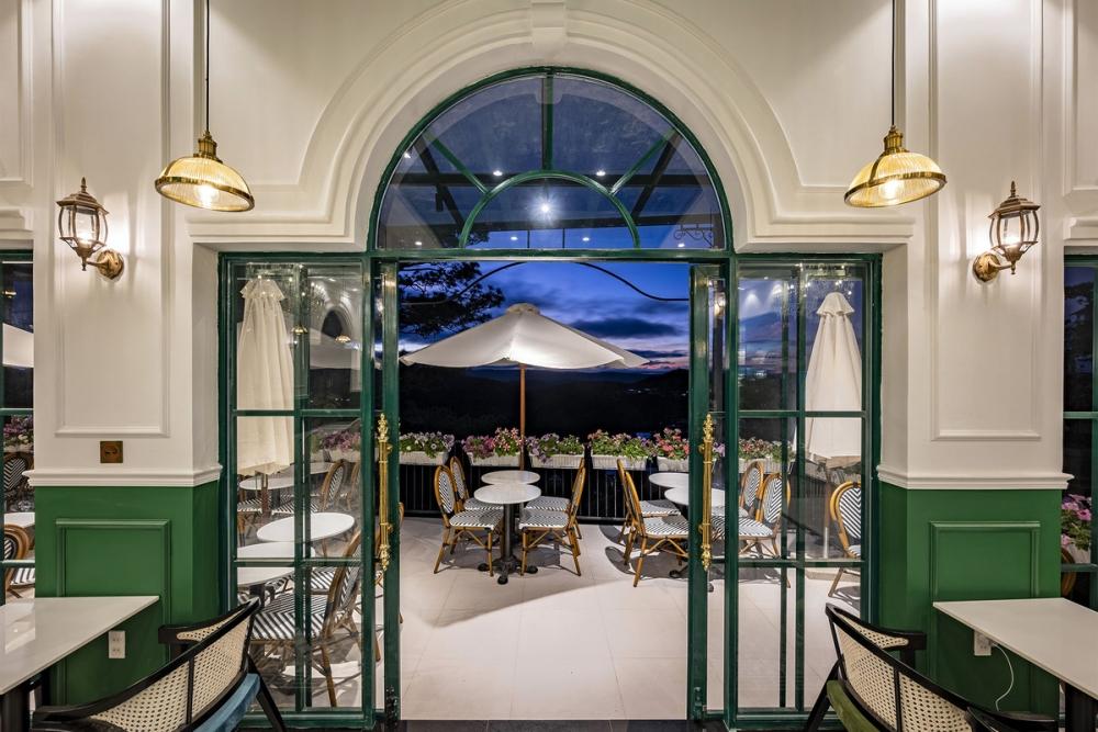 Morning in Town 16 1000x2000 - Morning in Town cafe - Thiết kế bao trọn không gian núi rừng tại Đà Lạt | KenDesign