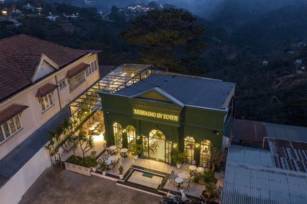 Morning in Town 26 1000x1000 - Morning in Town cafe - Thiết kế bao trọn không gian núi rừng tại Đà Lạt | KenDesign