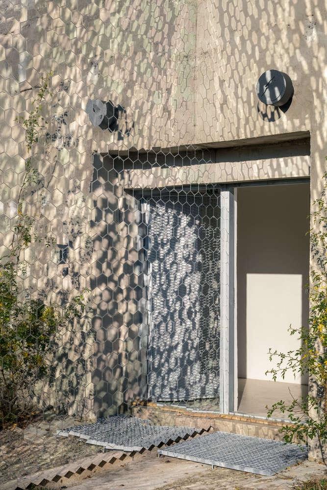 Petr_Hajek_Architekti_Hunting_Grounds_Radek_Ulehla-Coatmen_07-1-1000x1000.jpg