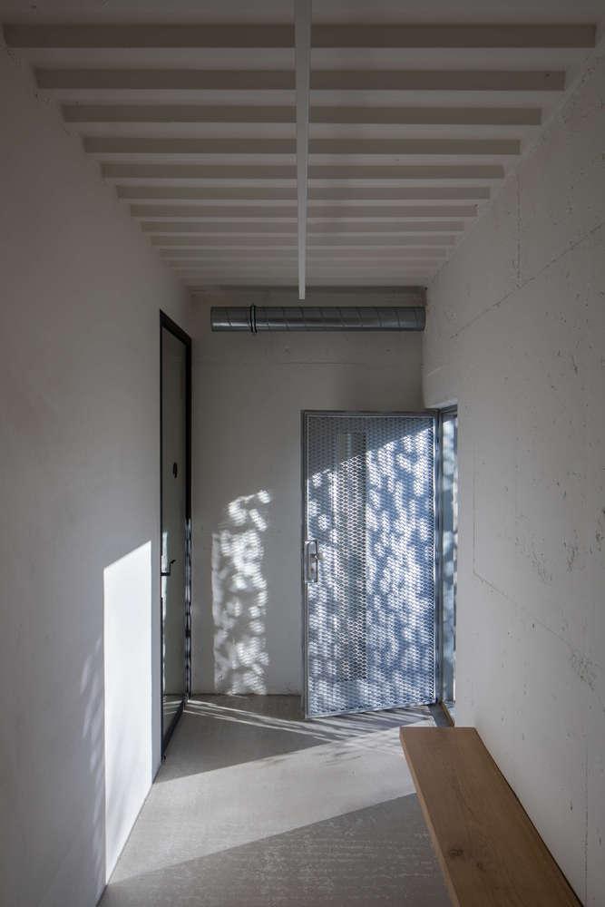 Petr_Hajek_Architekti_Hunting_Grounds_Radek_Ulehla-Coatmen_08-1-1000x1000.jpg