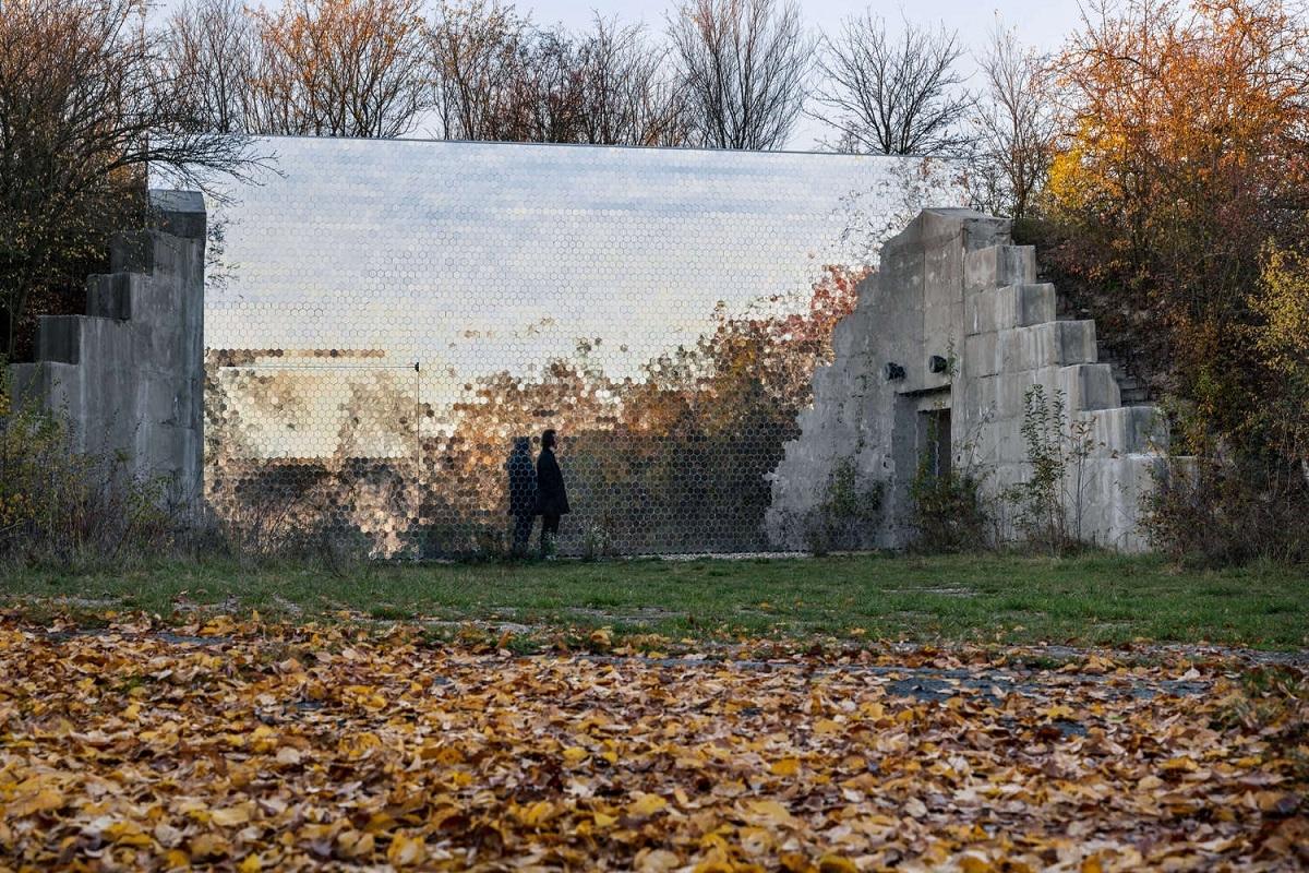 Petr_Hajek_Architekti_Hunting_Grounds_Radek_Ulehla-Coatmen_17-2000x1000.jpg