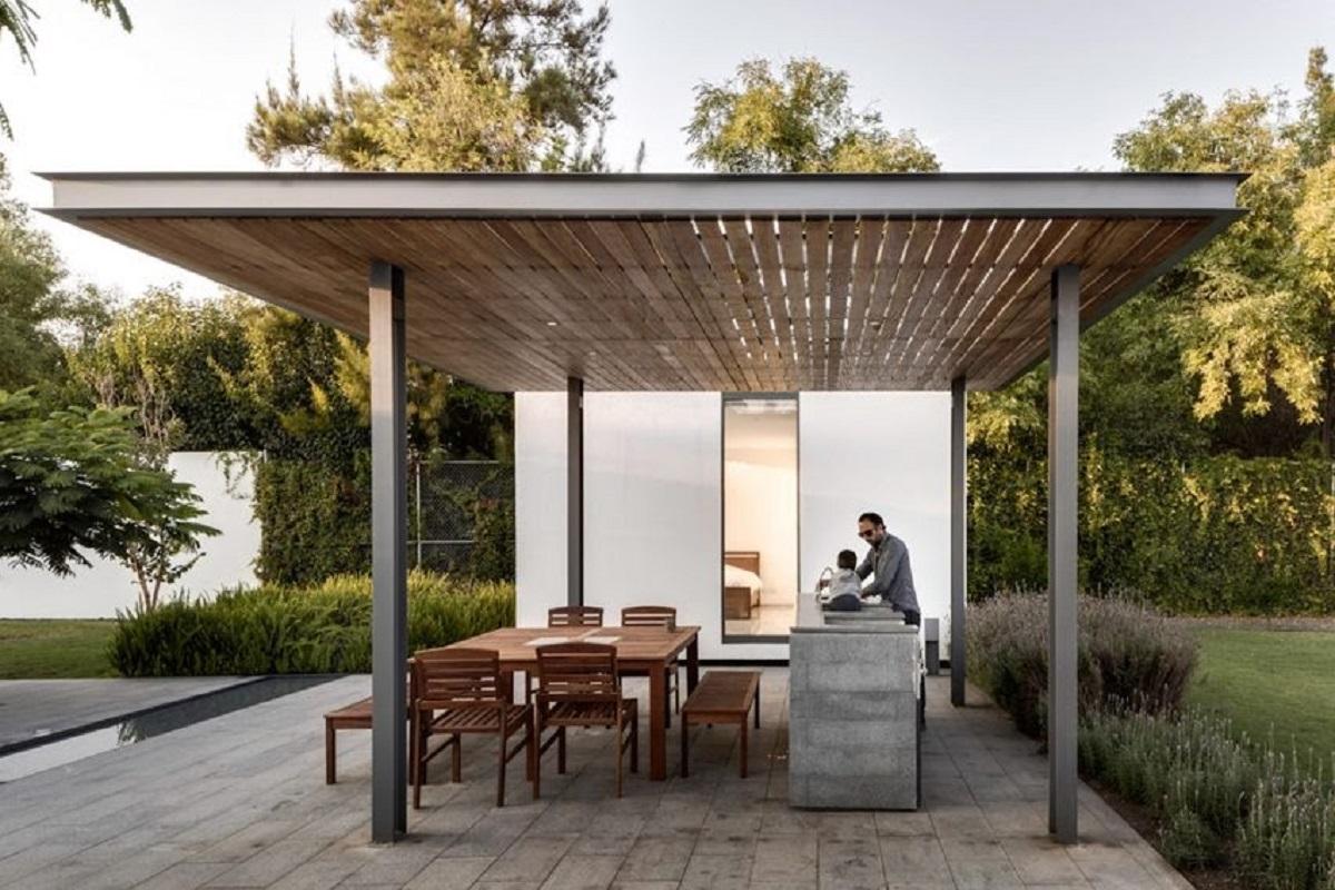 casa-414-by-ASD-outdoor-dining-space-mexico_dezeen_2364_col_0-852x568-1.jpg